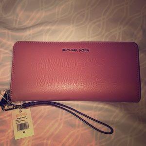 Michael Kors Travel continental wristlet wallet